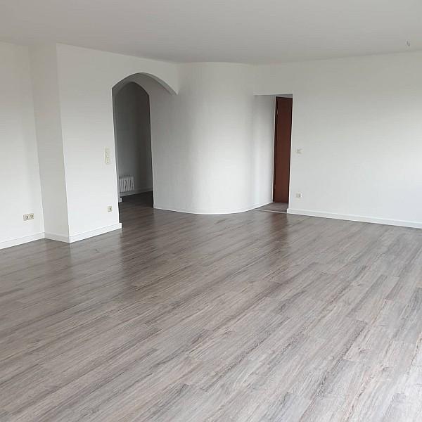 Maler-Innenwände-Renovierung-Wohnung-Essen-Burgaltendorf